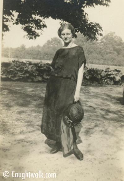 total black old vintage photo fashion 1920