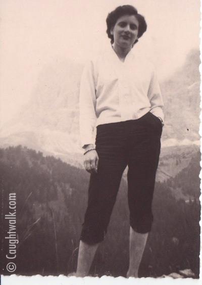 mountain walking old vintage photo fashion 1950 caughtwalk